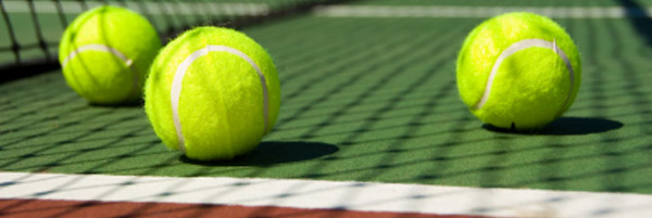 Centri Tennis aperti per qualcuno?
